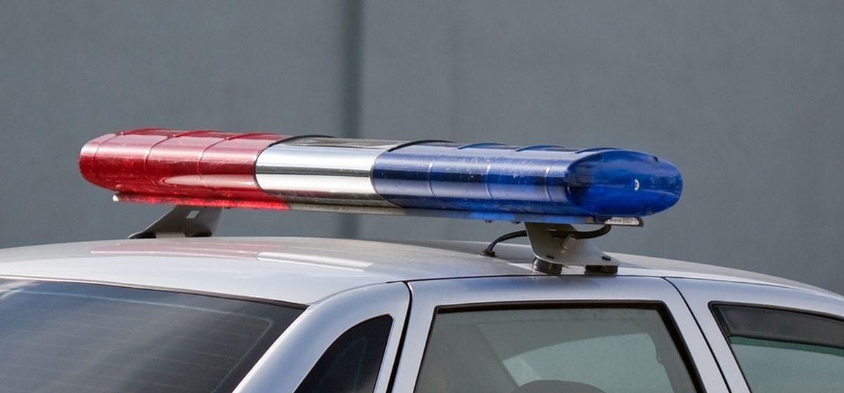 В Барановичах сотрудники ГАИ с погоней задержали двух пьяных водителей. Оба бросили машины и пытались убежать