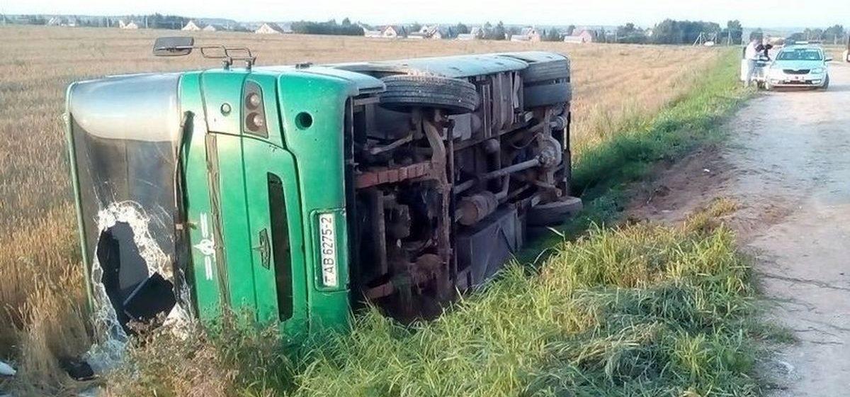 Под Оршей в кювет опрокинулся рейсовый автобус