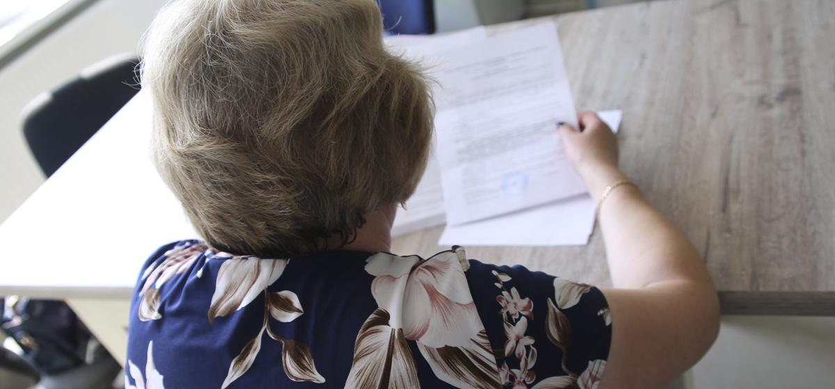 Жительница Барановичей должна заплатить 7500 рублей пострадавшей в ДТП, хотя в аварии не виновна и за рулем не была