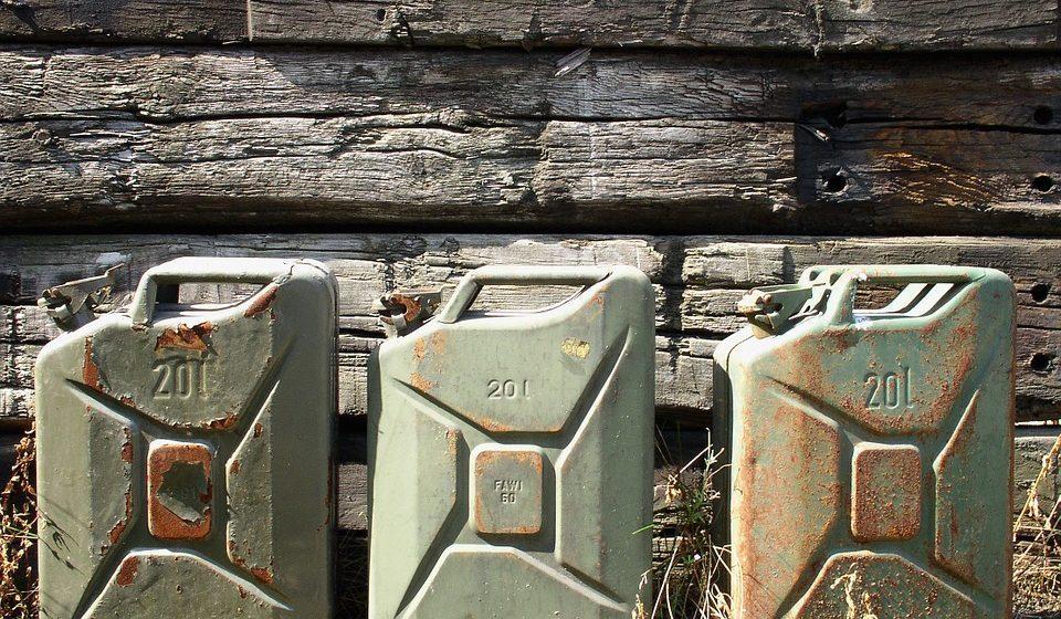 В Ляховичском районе у мужчины обнаружили 160 литров крашеной солярки