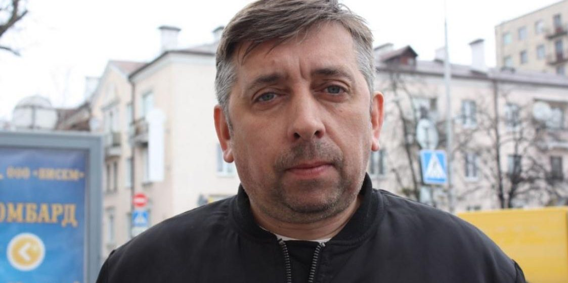 ОМОН с автоматами задержал брестского блогера Петрухина (видео)