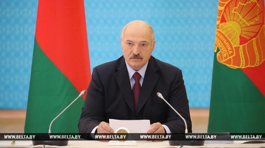 Лукашенко собирается поменять правительство. Двух министров отправили в отставку