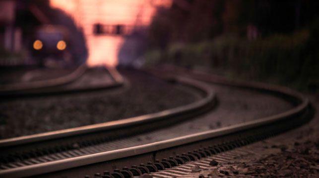 В Пинском районе поезд сбил сидящего на рельсах мужчину