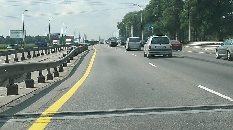 На МКАД просел мост. Движение перекрыто, образовалась многокилометровая пробка (фото)