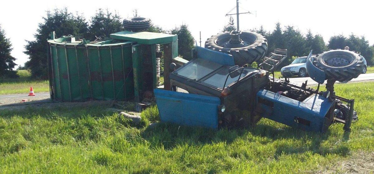 Под Дятлово столкнулись два трактора, механизатор в реанимации