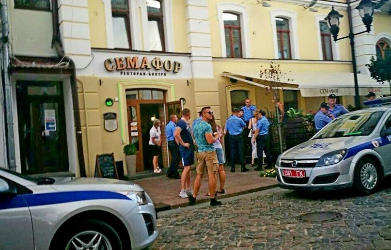 Жительница Гродно во время драки пробила милиционеру каблуком голову (видео)