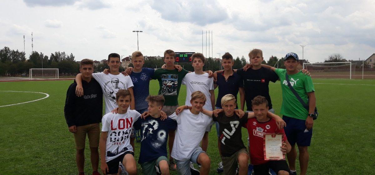 Юноши ФК «Барановичи» (U-15) выиграли товарищеский футбольный турнир в Ивацевичах