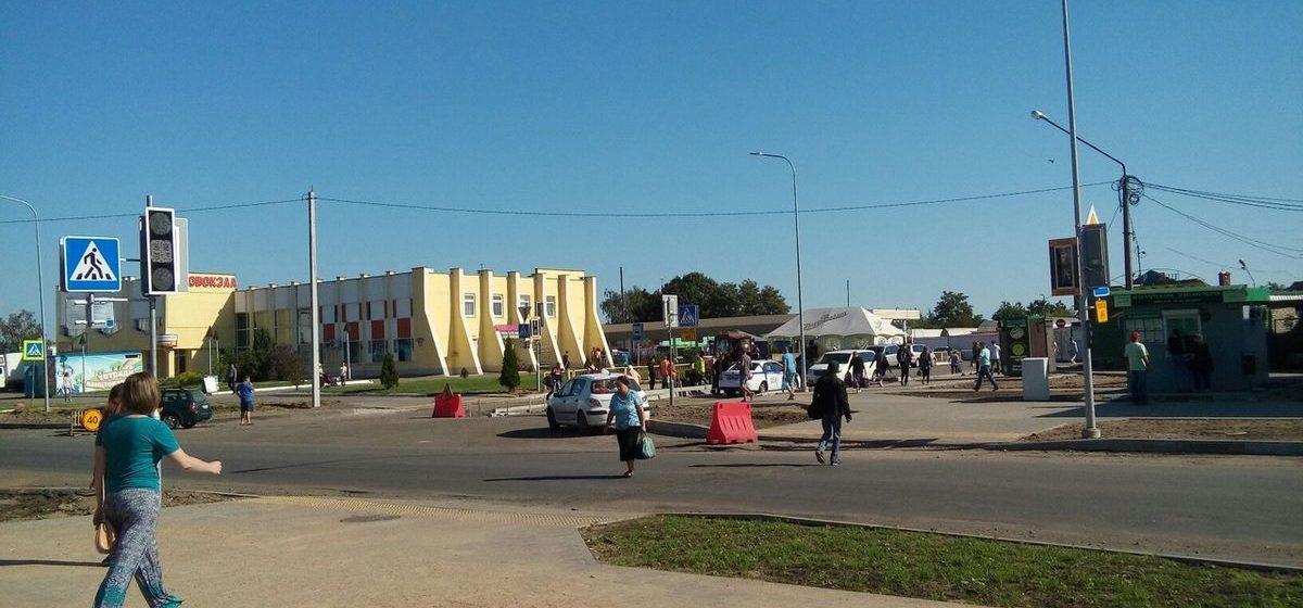 Фотофакт. В Барановичах на улице Фроленкова установили светофоры
