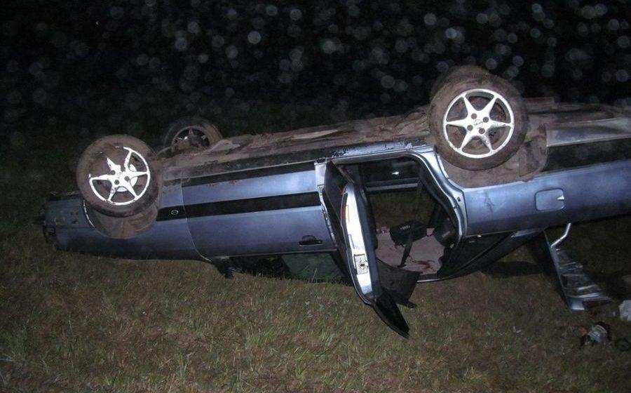 В Ивьевском районе пьяный бесправник из Барановичей на Audi вылетел в кювет. Погибли два человека
