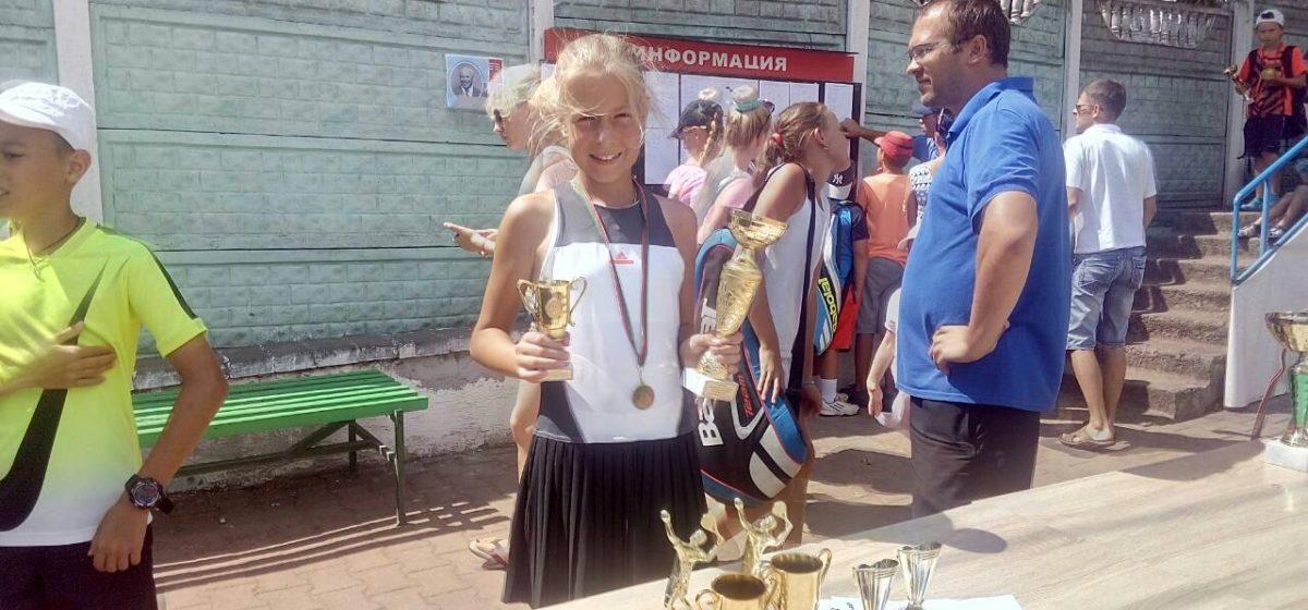 Юная барановичская теннисистка вошла в ТОП-30, выиграв республиканский турнир