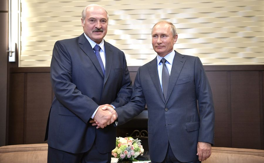 «На кону – независимость и суверенитет Беларуси». Дожмет ли Путин Лукашенко на Валааме?