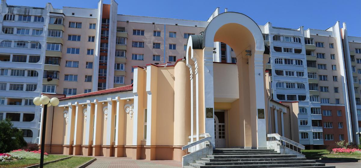 Четыре пары расписались в барановичском ЗАГСе в «день трех восьмерок» – 8.08.2018