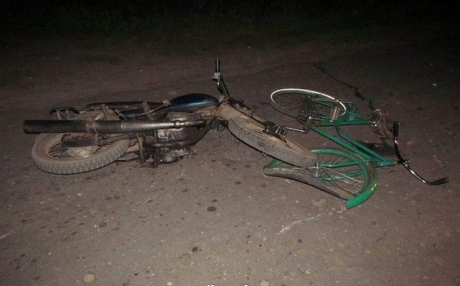 В Ивацевичском районе 16-летний бесправник на мотоцикле сбил пенсионерку на велосипеде