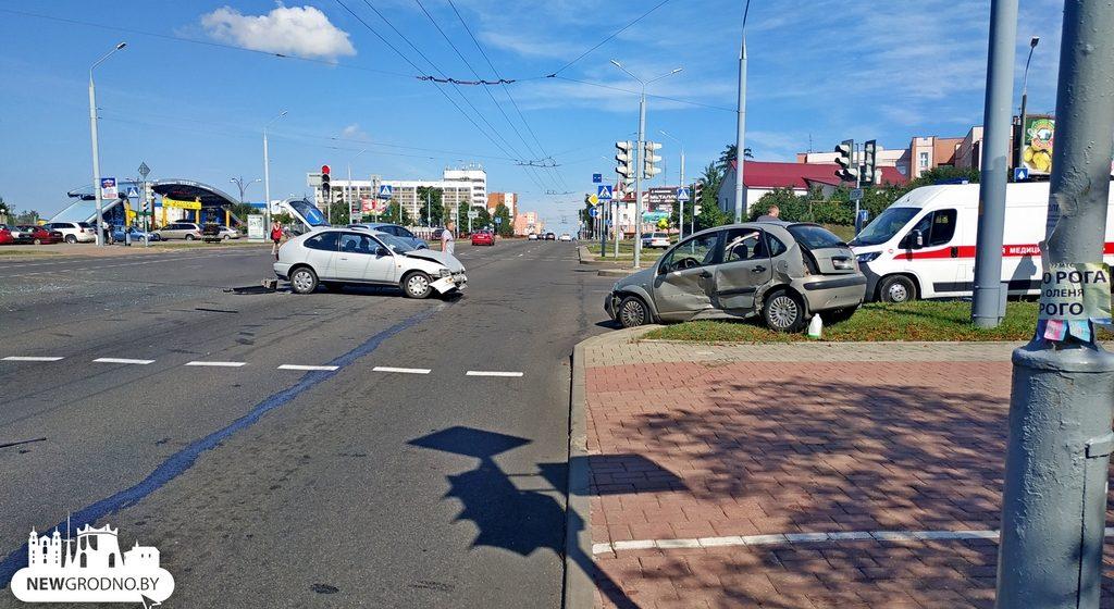 В Гродно в ДТП девятилетнего мальчика выбросило через окно автомобиля