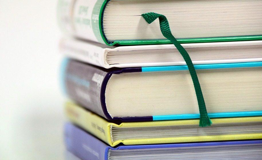 Плату за пользование учебниками в школах привязали к базовой величине
