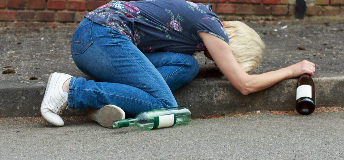 От алкогольного отравления за первое полугодие 2018 года умерло 4 жительницы Барановичского региона