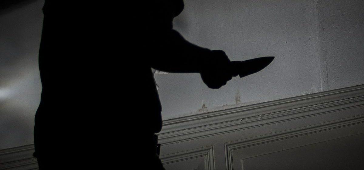 В Барановичах пьяный мужчина угрожал убийством 15-летнему подростку
