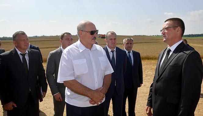 «Нас еще Господь пожалел». Президент наказал убрать урожай без потерь и беречь людей