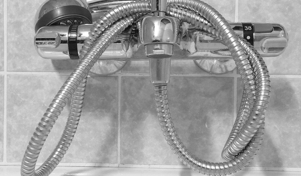 Министр ЖКХ: «Говорить о сокращении сроков отключения горячей воды преждевременно»