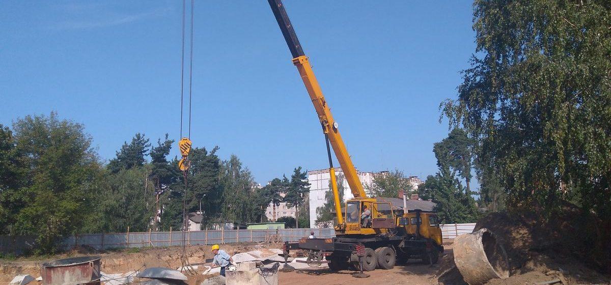 В Барановичах в Военном городке началось строительство многоквартирного дома