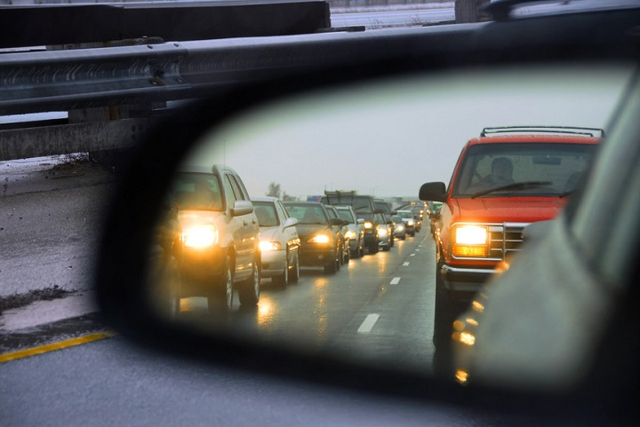 С 25 августа ГАИ будет штрафовать водителей за не включенный днем свет фар