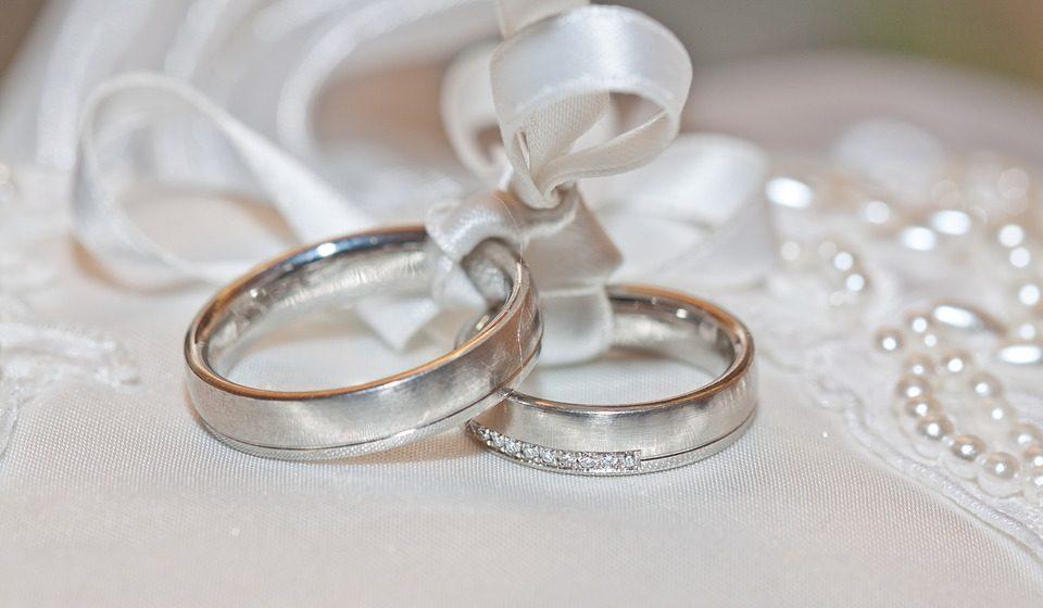 Жители Барановичей в июле реже женились и чаще разводились