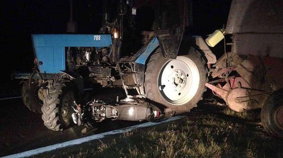 В Оршанском районе мотоциклист врезался в трактор, есть пострадавшие