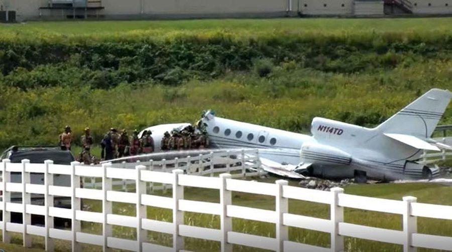 В США самолет после аварийной посадки развалился пополам, есть погибшие