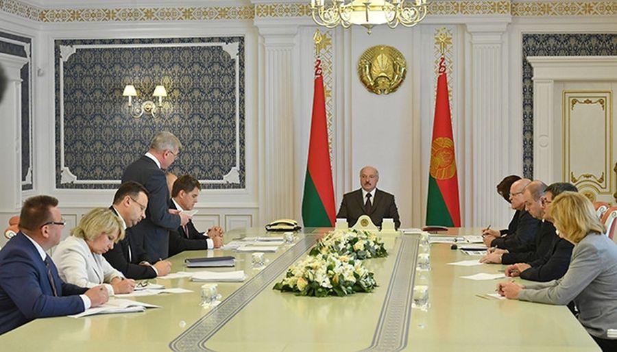 Лукашенко про коррупцию в здравоохранении: «Масштаб таков, что нельзя просто ограничиться новыми назначениями»