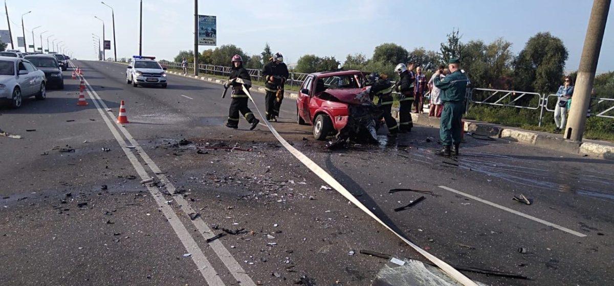 Авария на путепроводе в Жлобине: водитель погиб, пятилетний мальчик в больнице