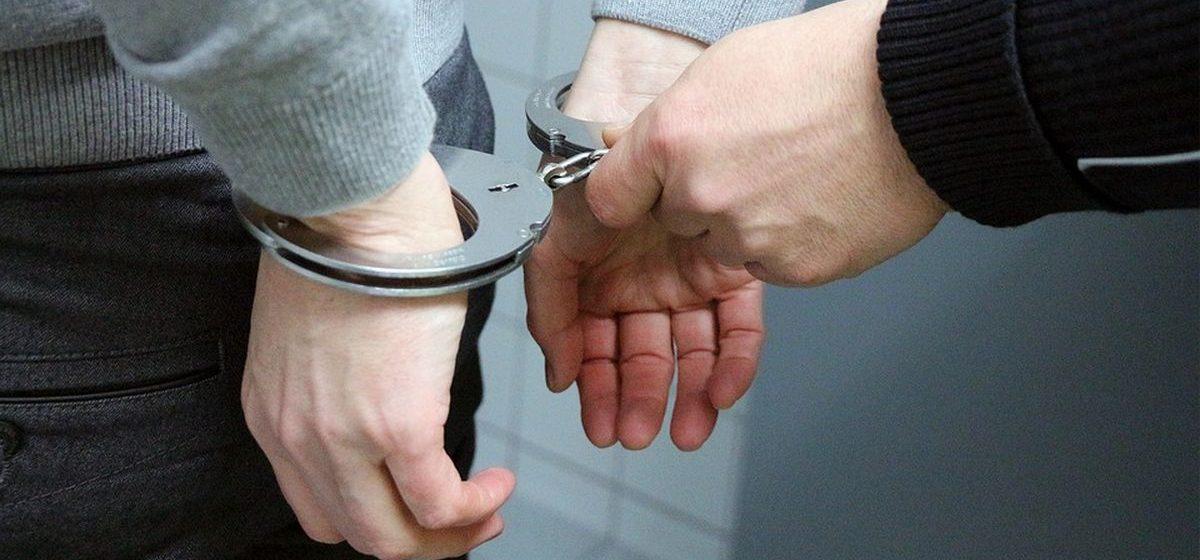 В Гродно покупатель задержал грабителя из Латвии, который украл две бутылки вина