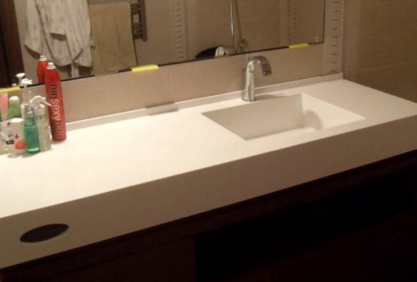 Столешницы в ванную комнату от компании «Bevers Marmyr»