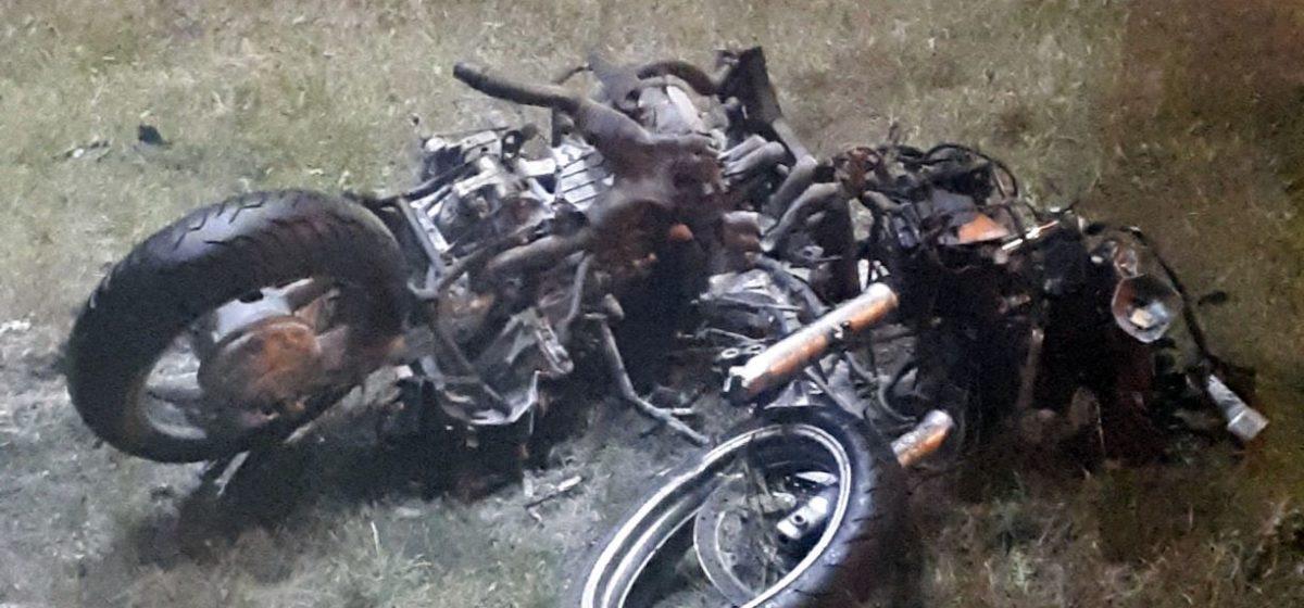 Мотоцикл разорвало на части в аварии под Минском, байкер погиб