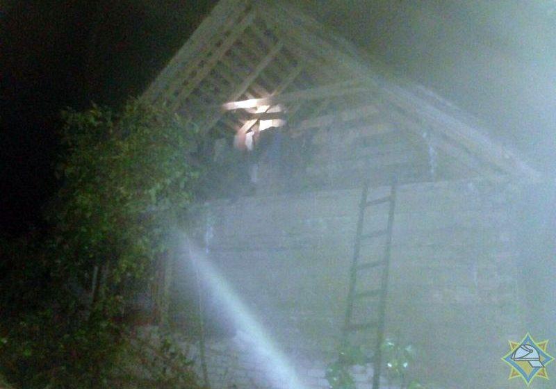 Ночью молния разрушила дом в Браславском районе