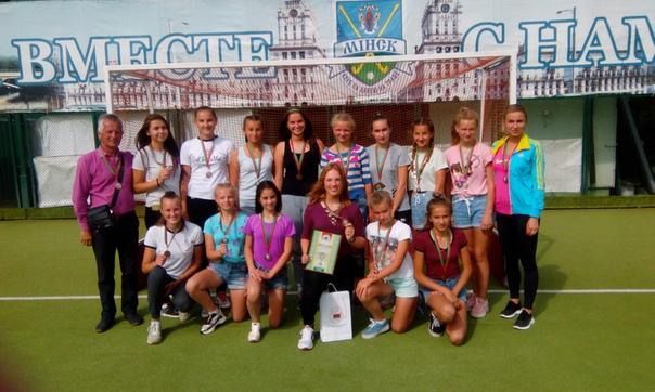Барановичские школьницы выиграли бронзу ОДМ Беларуси по хоккею на траве