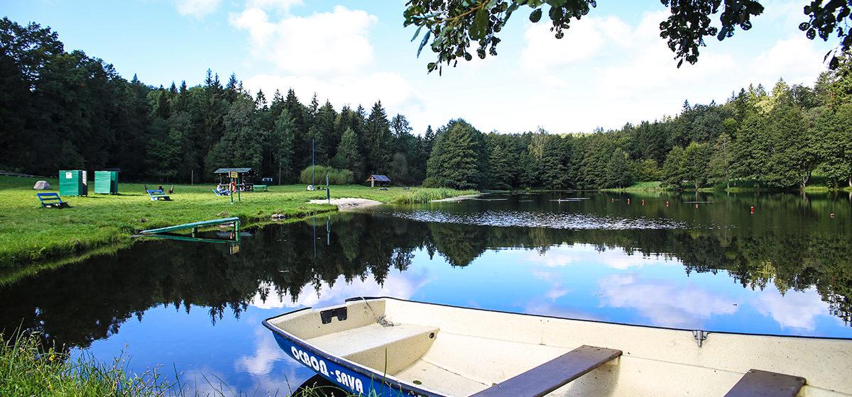 Две девочки решили ночью искупаться в озере Литовка под Новогрудком. Одна утонула, вторая в больнице