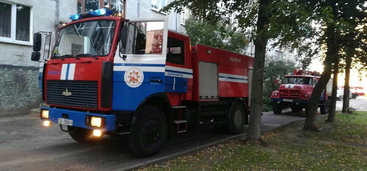 Очевидцы сообщают о возгорании в девятиэтажке в Южном микрорайоне Барановичей