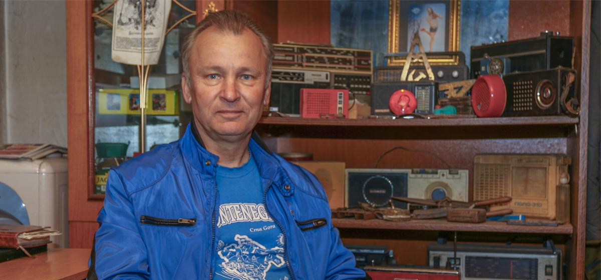 Как житель Барановичей, выйдя на пенсию, создал в гараже музей старинных вещей. «Около половины своей коллекции собрал на свалке»