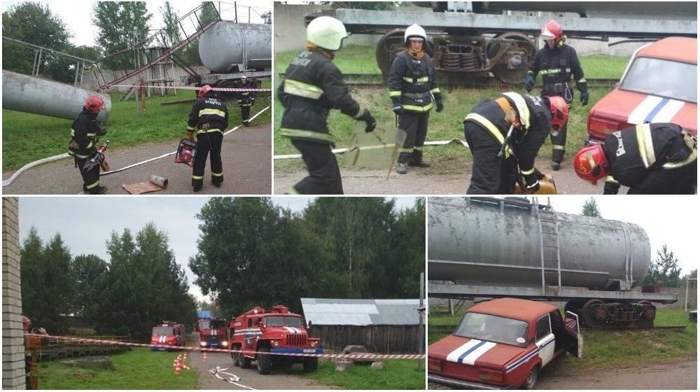 Две легковушки врезались в поезд на переезде, водителей пришлось вырезать. Как проходили учения барановичских спасателей (фото)