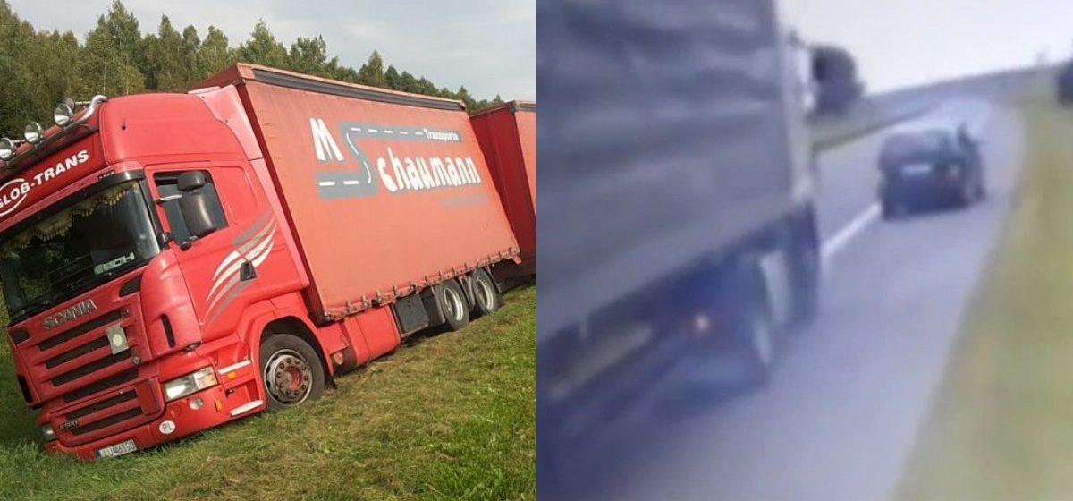 Как фура под Барановичами вылетела в кювет из-за легкового автомобиля – ролик с видеорегистратора