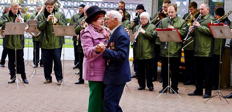 В Барановичах для пенсионеров откроются бесплатные занятия по танцам