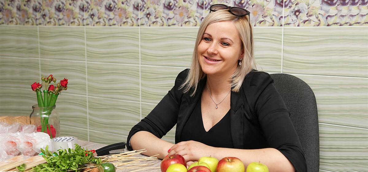 Мой бизнес. Как жительница Барановичей стала изготавливать съедобные букеты. «Мой стартовый капитал вернулся за месяц»