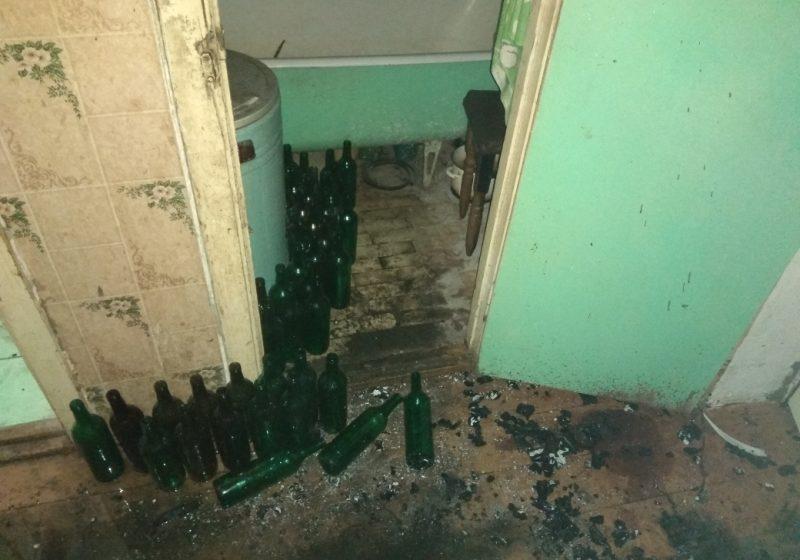 «Мы проснулись от запаха дыма». В Барановичах в многоэтажке горела квартира (фото)