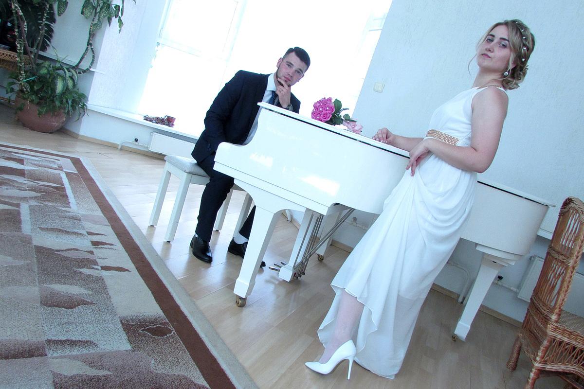5 июля 2018 года. Евгений и  Карина Драгун в день бракосочетания.  Фото: архив семьи Драгун