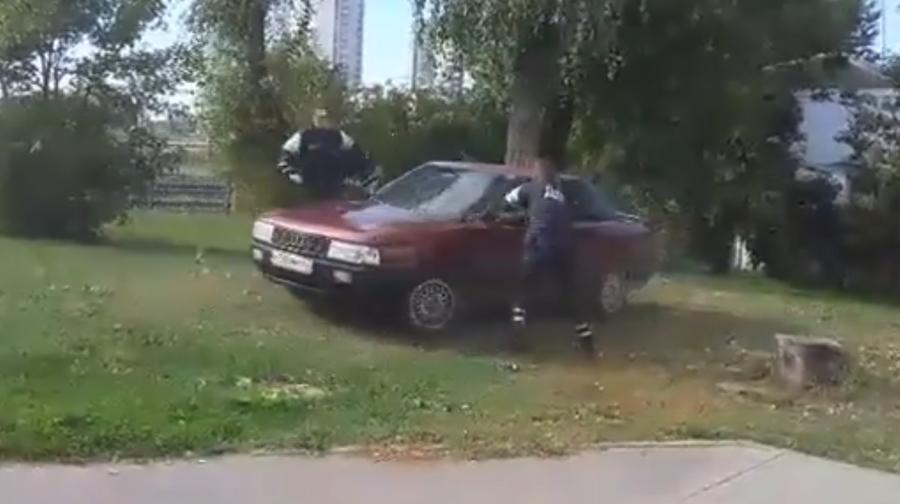 Видеофакт. В Минске несколько экипажей ГАИ со стрельбой гнались за Audi