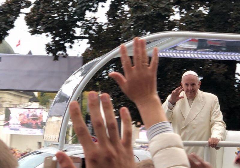 «Это непередаваемая радость». Как жители Барановичей на встречу с Папой Римским ездили