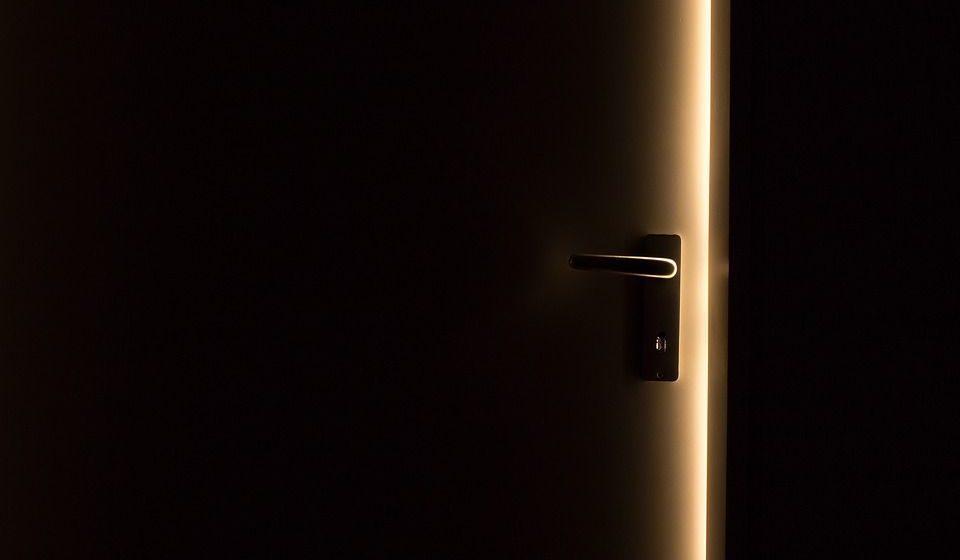 В Минске пьяный мужчина ошибся адресом, забрался в чужую квартиру и уснул