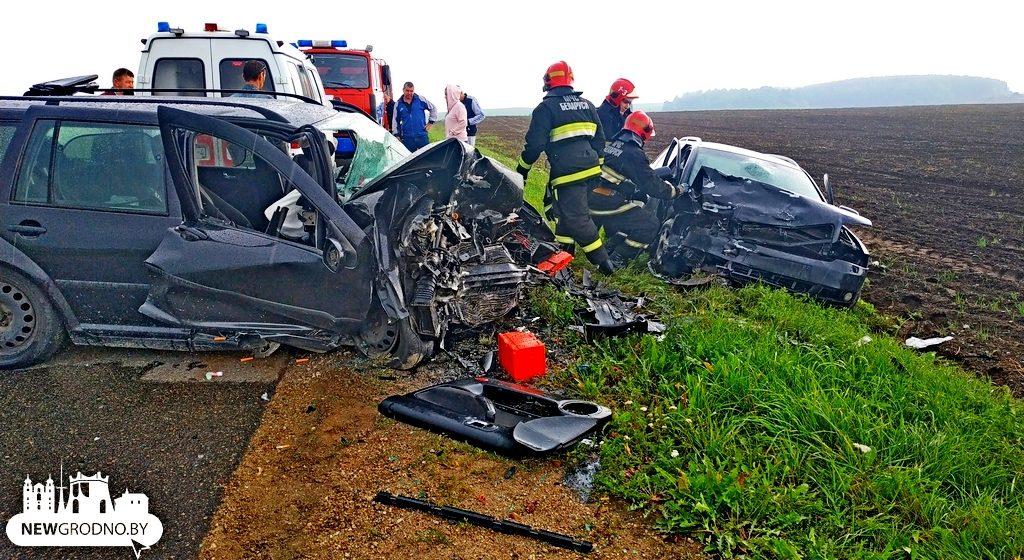 В жуткой аварии под Гродно в лобовом столкновении пострадал пассажир