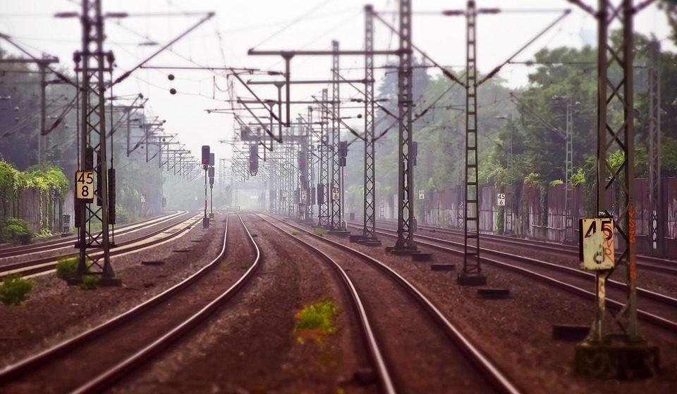 Под Минском товарный поезд сбил мужчину