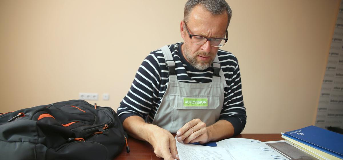 Дело принципа. Полтора года житель Барановичей борется против принудительного объединения в гаражные кооперативы